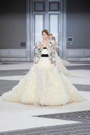 giambattista-valli-couture-fall-2015-48